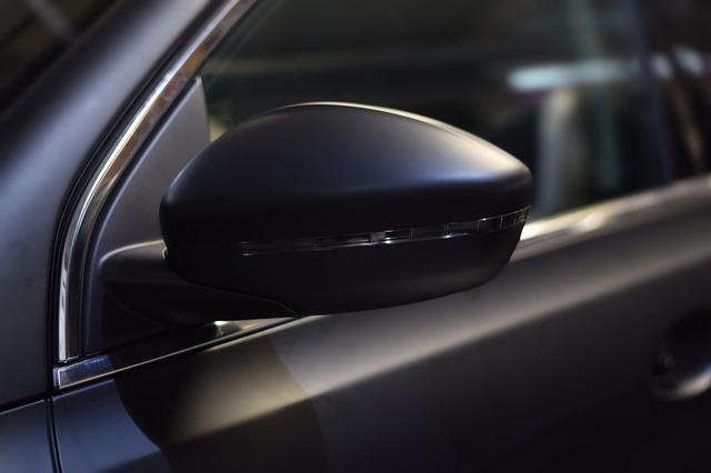 חלונות כהים ברכב
