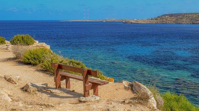 לגור בקפריסין - הכיצד?