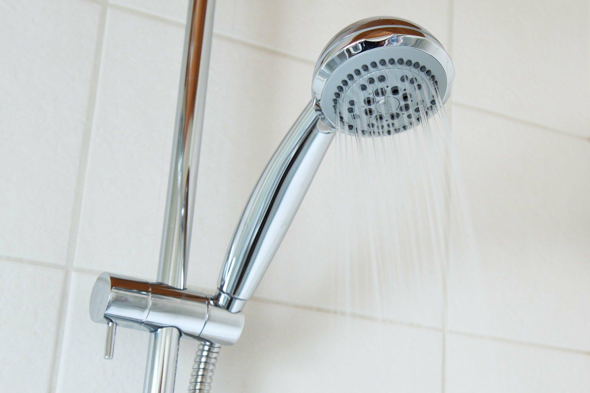 מערכת מקלחת