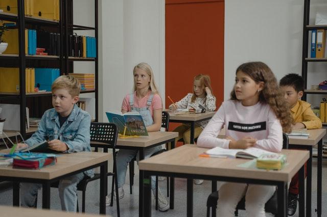 ריהוט לבתי ספר